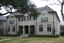 Award-winning custom built homes by Watermark Builders in Bellaire Texas