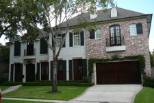 Custom built homes by award-winning Watermark Builders serving Bellaire Texas