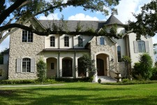 Custom built house by award-winning Watermark Builders serving River Oaks Texas
