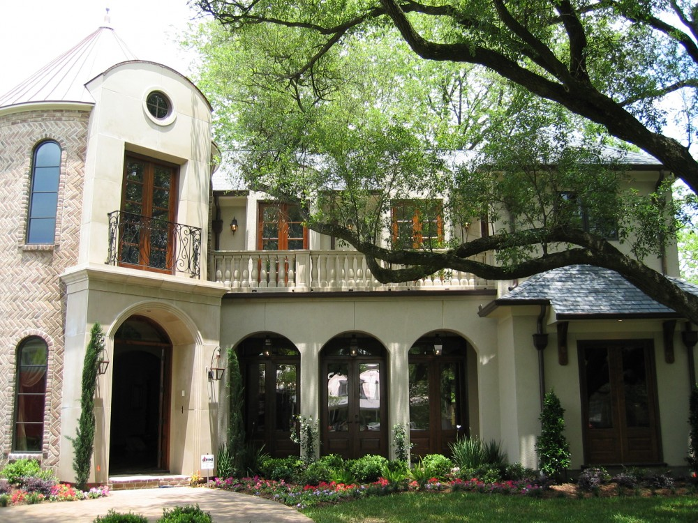 Custom built luxury home by award-winning Watermark Builders founded by Gary Lee in Bellaire Texas