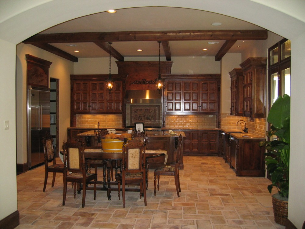 Custom built luxury home kitchen by award-winning Watermark Builders founded by Gary Lee in Bellaire Texas