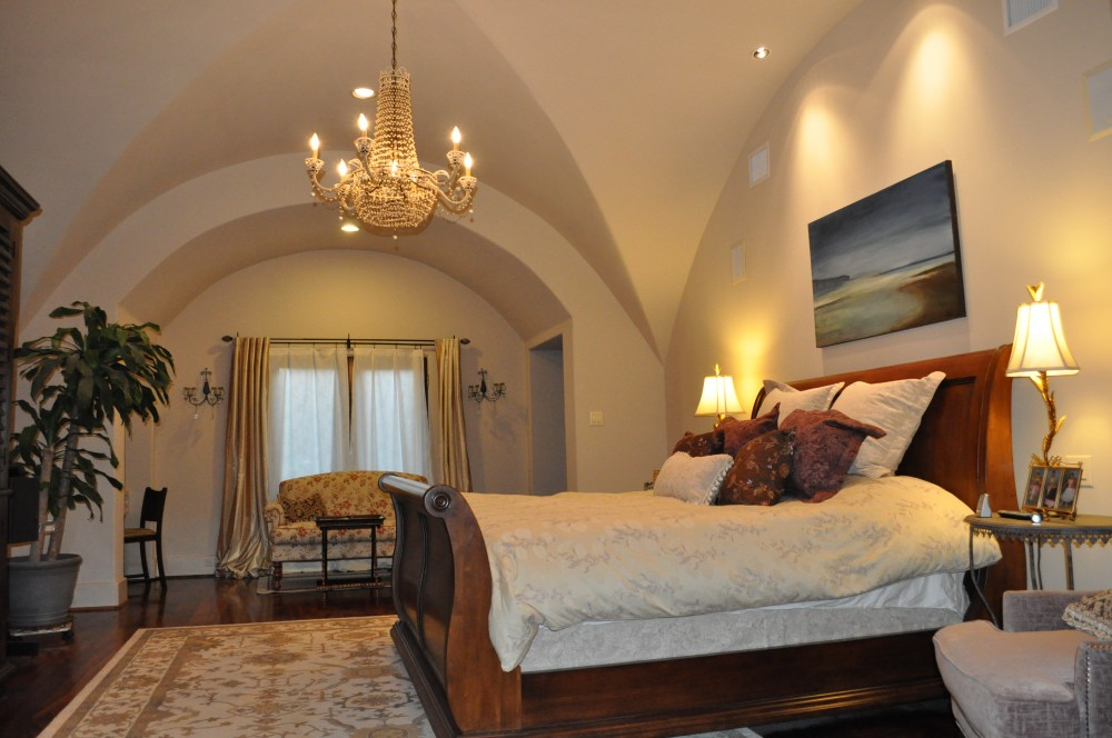 Award winning Bellaire Texas showcase home 2003 by Watermark Builders, this ceiling is a great big groin vault